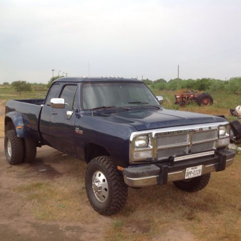 Used Chevy 2500 For Sale >> Dodge W350 Base Extended Cab Pickup 2-Door 5.9L - Classic ...
