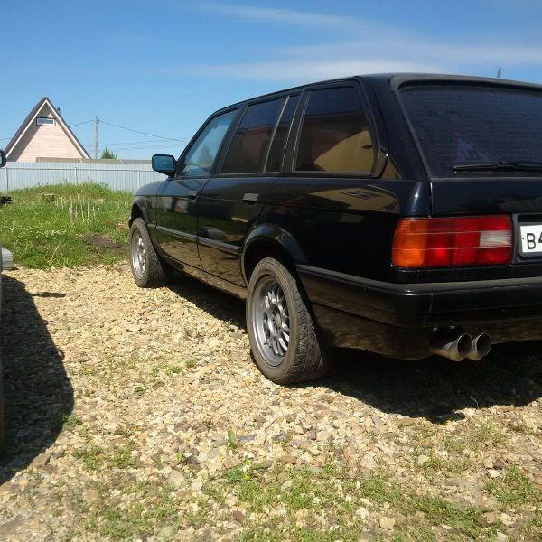 E30 318i Touring DIAMANTSCHWARZ METALLIC, 1993, With M42