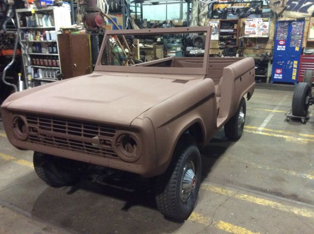 early ford bronco project complete body on rolling chassis 1966 1977 look classic ford. Black Bedroom Furniture Sets. Home Design Ideas
