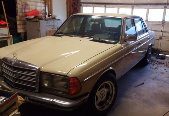 Euro 1984 mercedes 280e manual rust free classic for Mercedes benz e class manual
