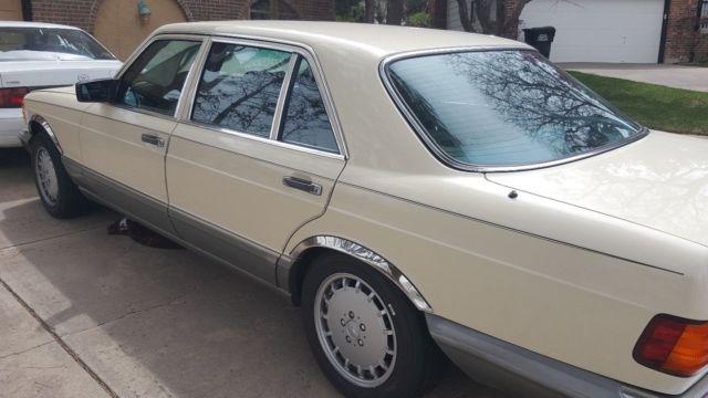 Flagship 1986 classic yellow mercedes benz 560 sel 4 door for Mercedes benz flagship car