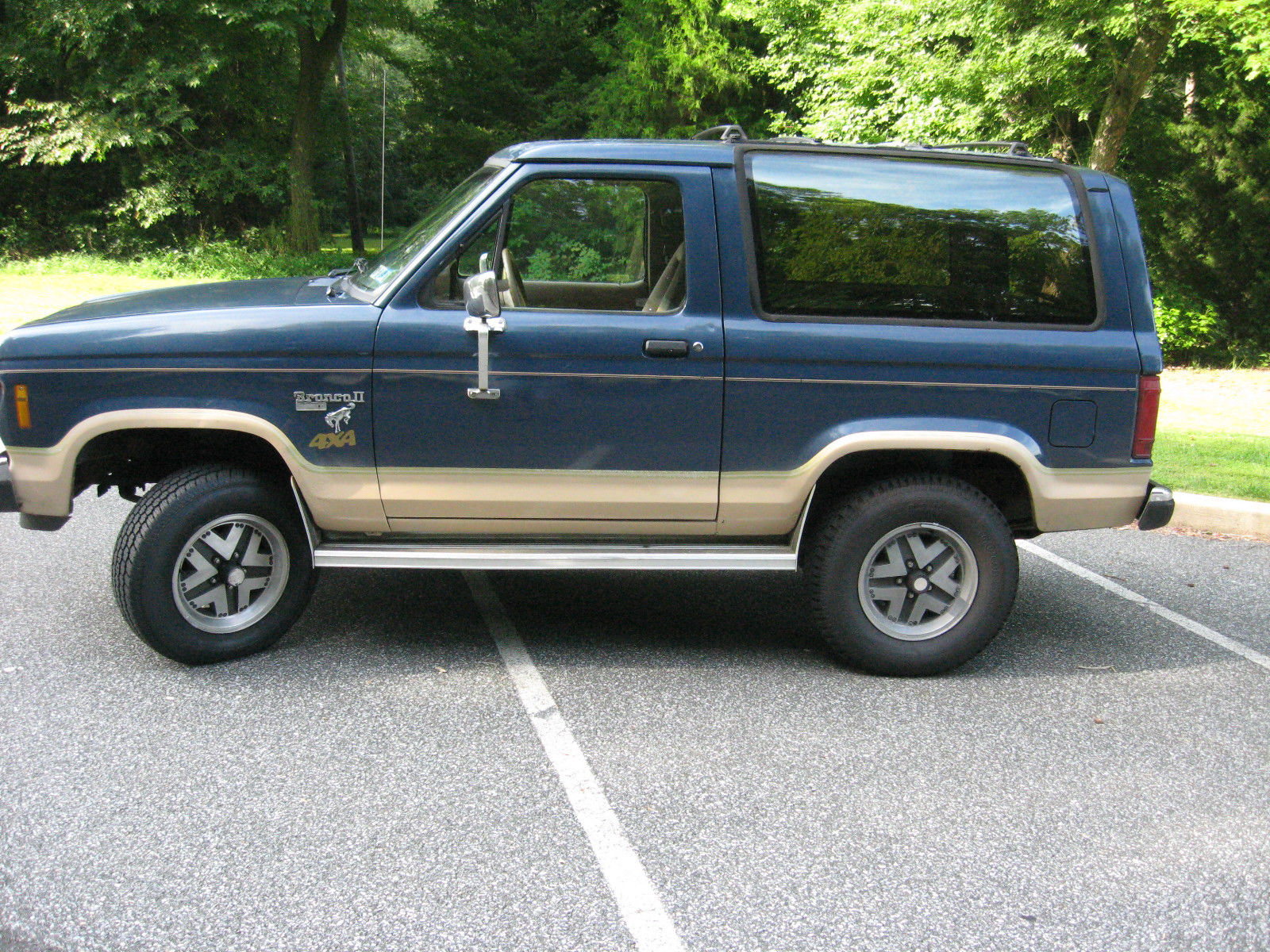 Ford Bronco Ii 1986 4x4 Suv Easy Restoration Or Fight Snow As Is