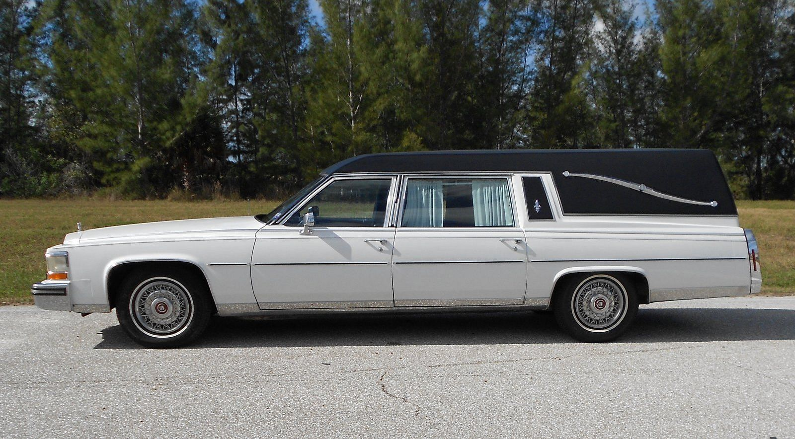 Gorgeous 1987 Cadillac Fleetwood Hearse Low Miles