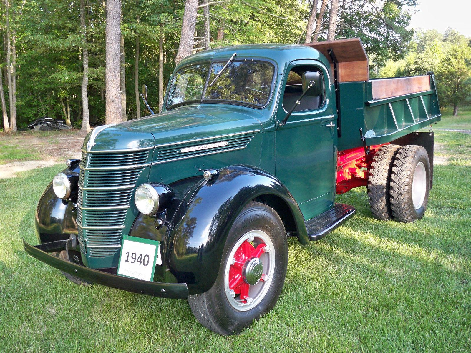 International Harvester D30 Dump Truck Classic