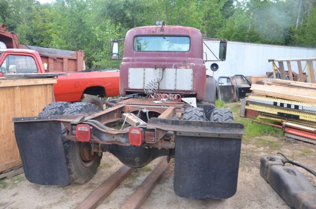Antique International Harvester Semi Tractor : International harvester v antique tractor semi