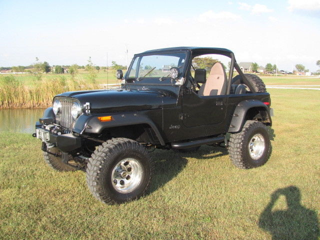 jeep cj7 v8 automatic hard top restored wrangler tj yj lifted 4x4 convertible classic jeep cj. Black Bedroom Furniture Sets. Home Design Ideas