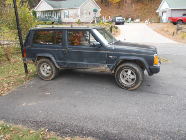 jeep pioneer 4x4 classic jeep cherokee 1987 for sale. Black Bedroom Furniture Sets. Home Design Ideas