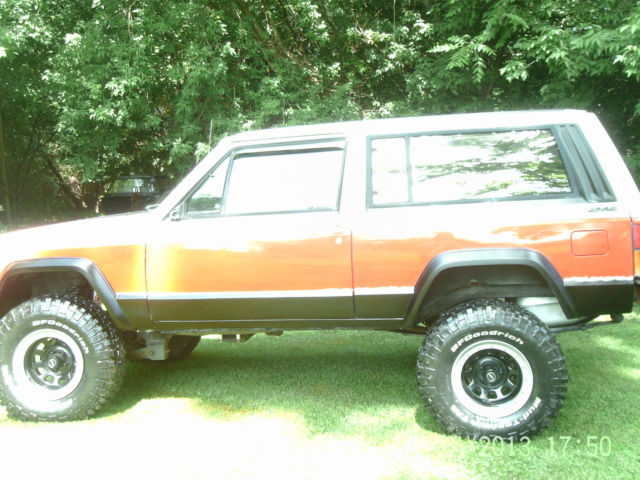 jeep xj 2 door lifted off road style classic jeep cherokee 1989 for sale. Black Bedroom Furniture Sets. Home Design Ideas