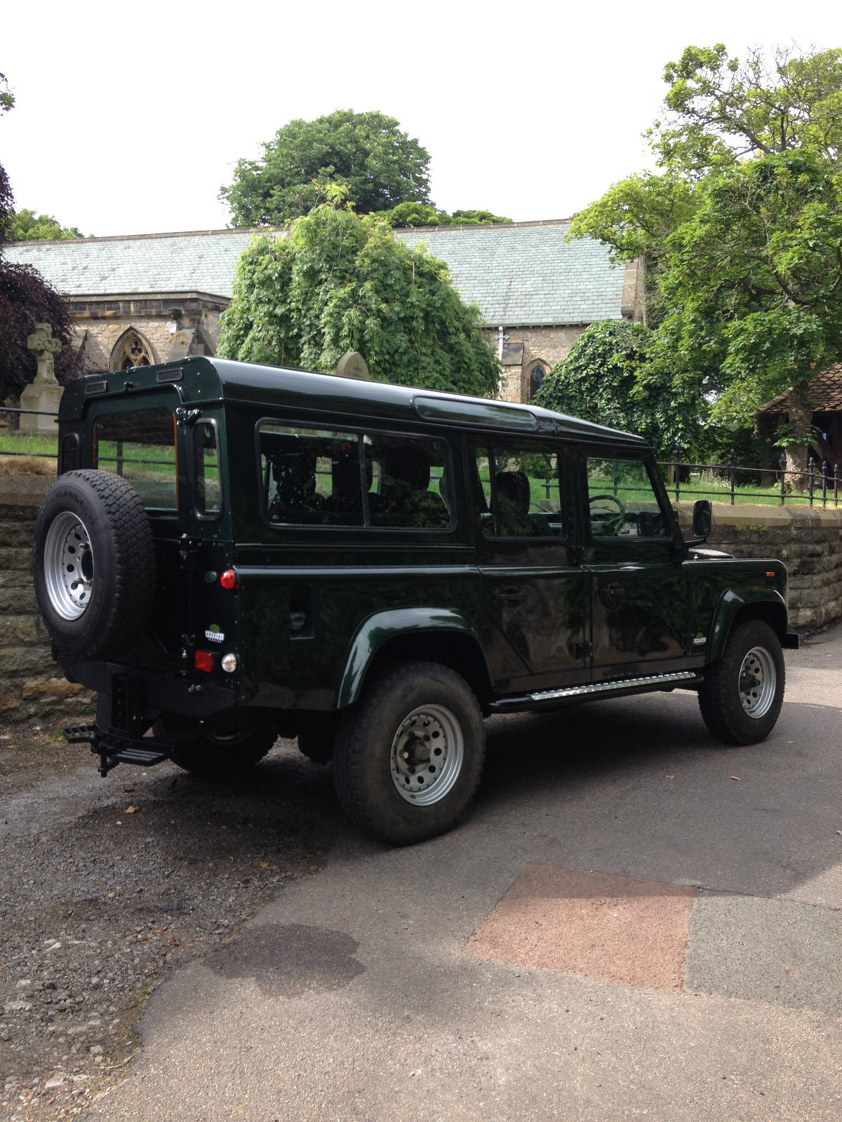 Land Rover Defender 110 County Station Wagon Rhd 2 5