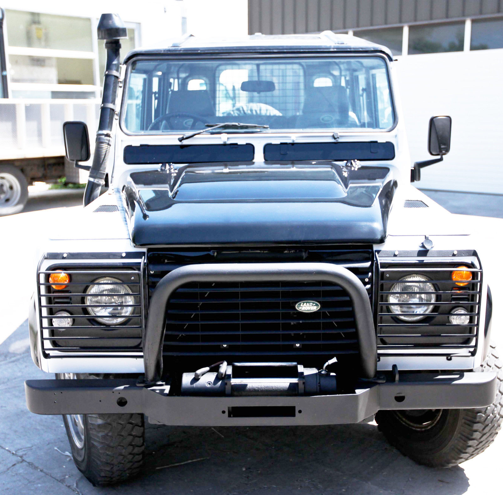 land rover defender 110 with a nice restoration diesel manual like new classic land rover. Black Bedroom Furniture Sets. Home Design Ideas