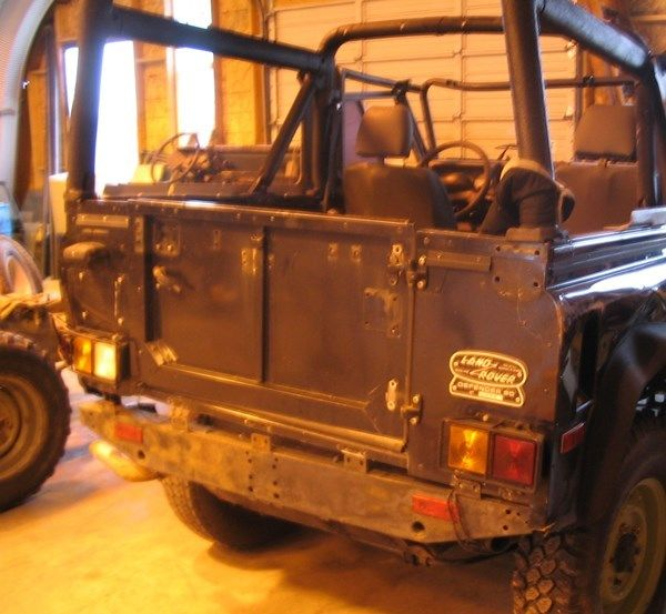LAND ROVER DEFENDER 90 NAS ROLL OVER