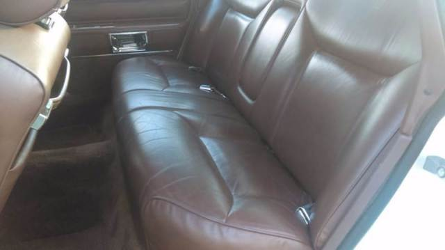 Lincoln Town Car White Mauve With 65 000 Miles For Sale Classic