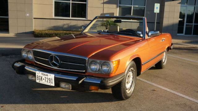 mercedes 1980 450 sl both tops like new bid now classic mercedes benz sl class 1980 for sale. Black Bedroom Furniture Sets. Home Design Ideas