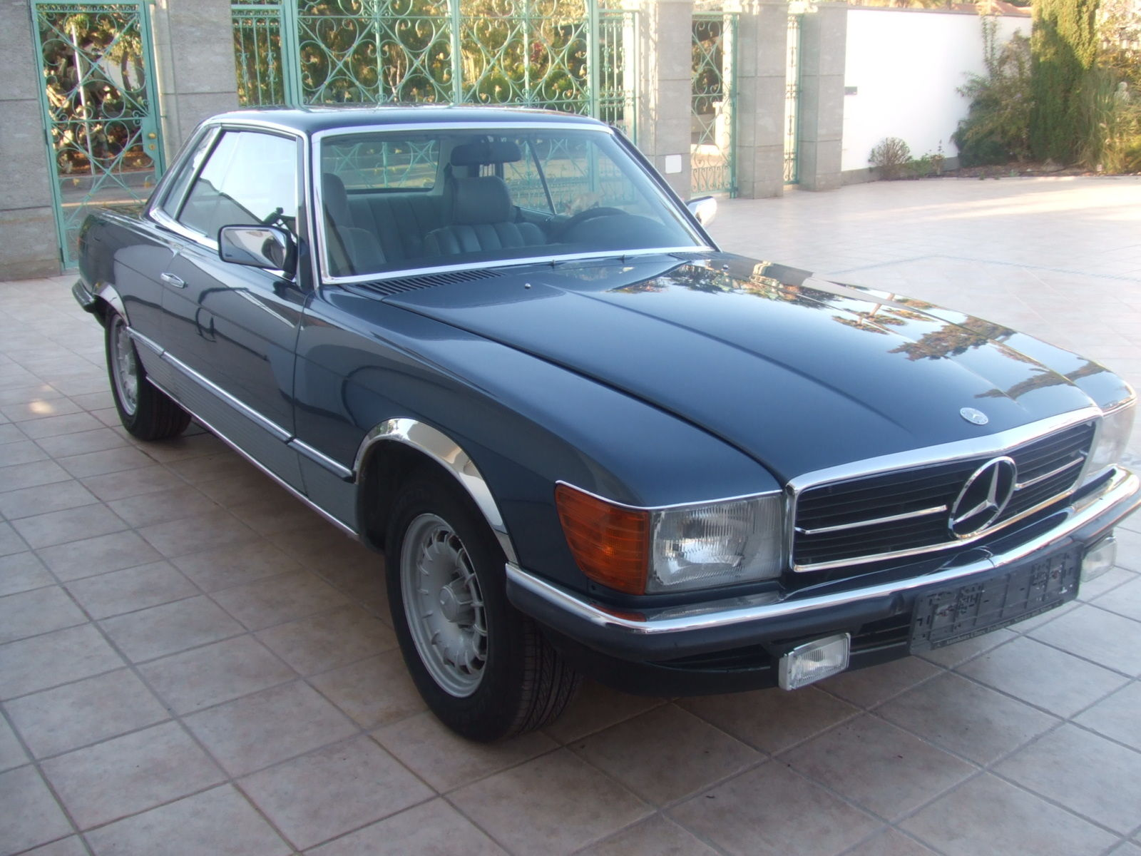 Mercedes 500 slc 1980 only 1000 cars built topas blue for 500 mercedes benz for sale