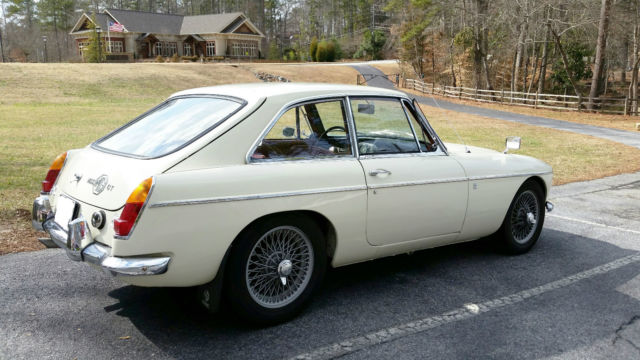 MG MGC GT 1969 w/ 72,600 miles all original w/exception of