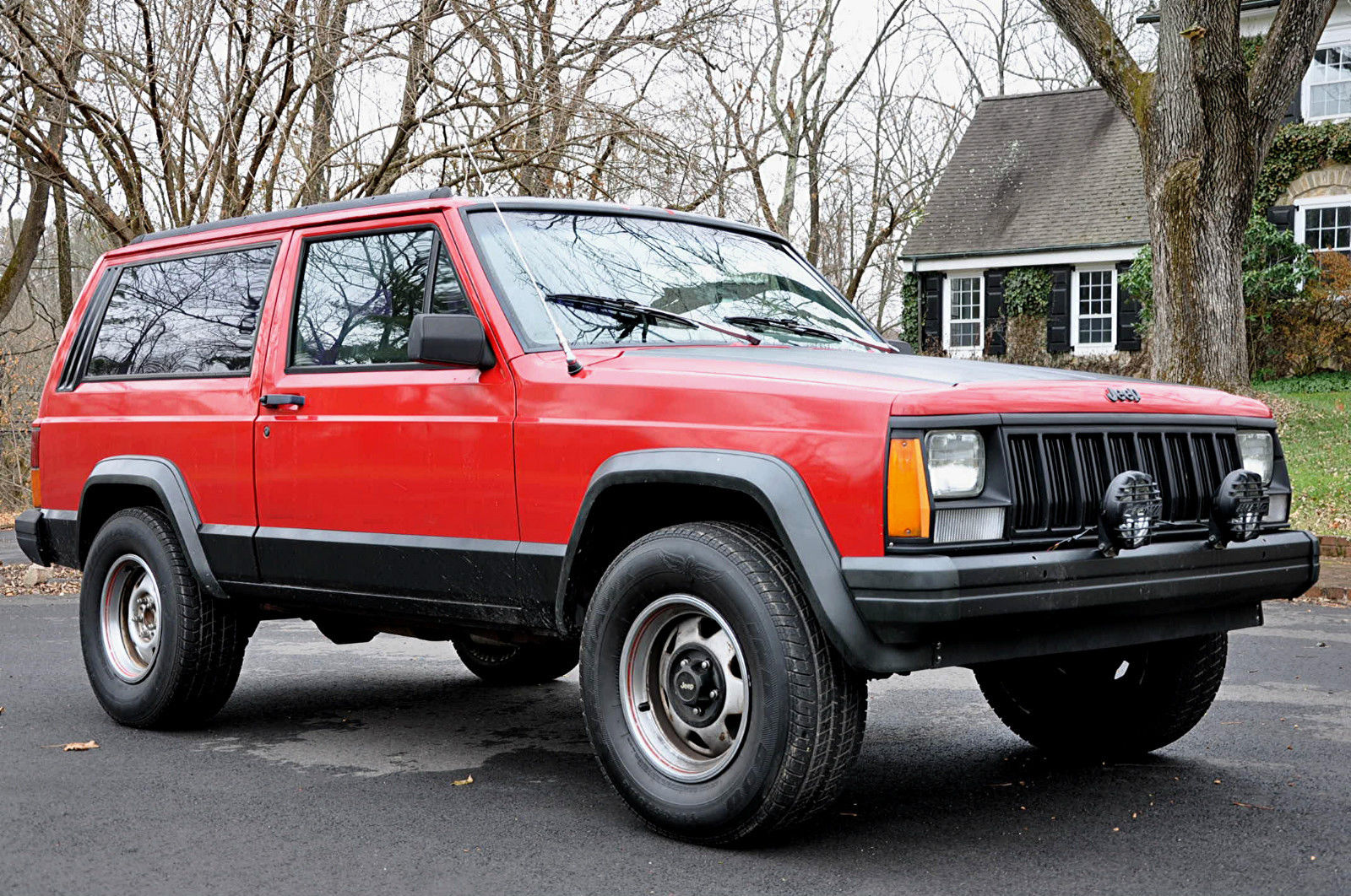 no reserve 1993 jeep cherokee sport utility 2 door 4 0l 6 cyl 2wd zombie wagon classic jeep. Black Bedroom Furniture Sets. Home Design Ideas