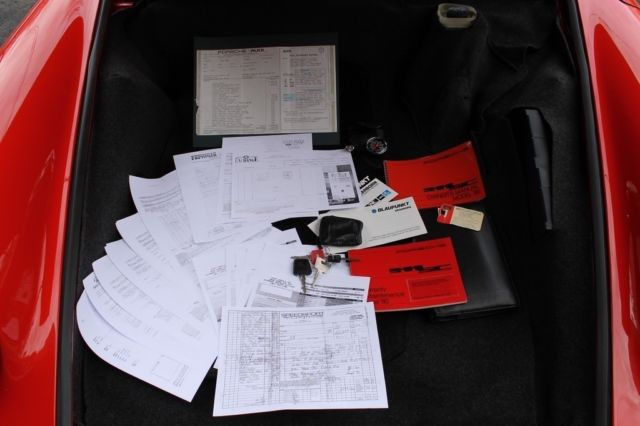 Porsche 911SC Coupe Drives perfectly, Records, books, tools, window