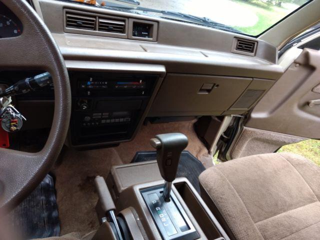 Minivan For Sale >> RARE VINTAGE FIRST GEN 1987 TOYOTA VAN WAGON RUNS DRIVES ...