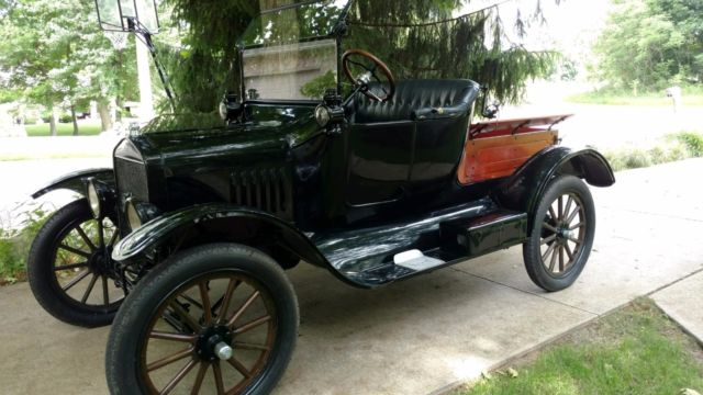 Restored 1917 Ford Model T Roadster Pickup Classic Ford