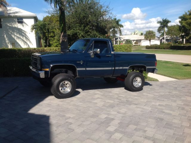 Restored 1987 chevy 4x4 Silverado regular car short bed