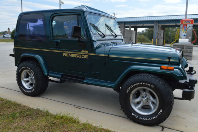 restored jeep wrangler yj with renegade decals hard top hard doors 4 0 l nice classic jeep. Black Bedroom Furniture Sets. Home Design Ideas