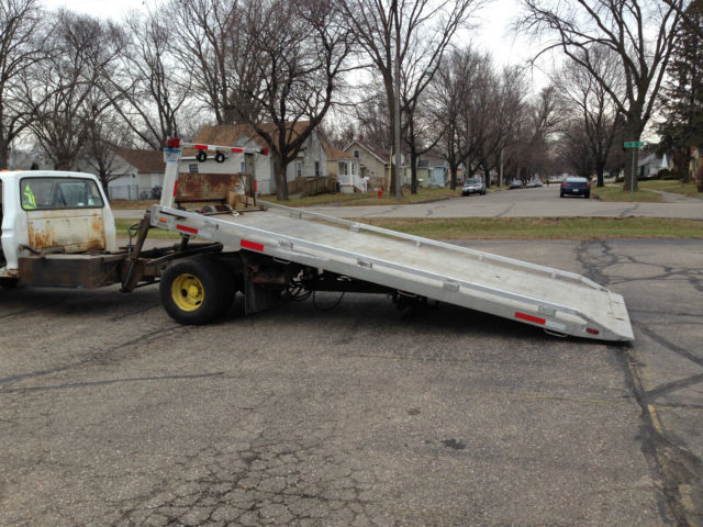 Rollback tow truck flatbed new engine towtruck jerrdan for Used tow motors for sale