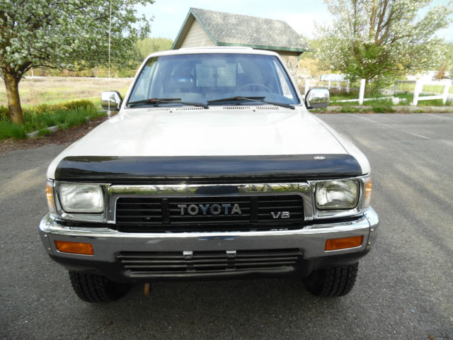 SELLING AT NO RESERVE 2-OWNER LOW MILE 1990 TOYOTA X-CAB