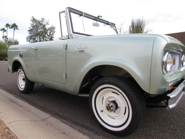 STUNNING INTERNATIONAL SCOUT 80 - TOP OF THE LINE - Classic