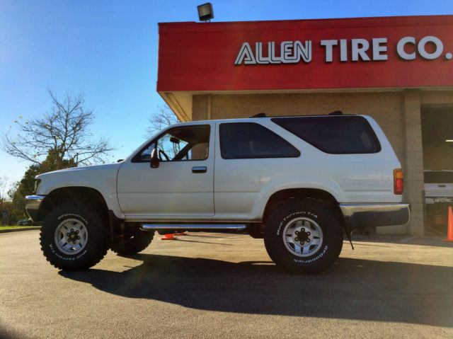 toyota 4runner 1990 2 door white 4wd forerunner truck manual 3 0l v6 classic toyota 4runner. Black Bedroom Furniture Sets. Home Design Ideas