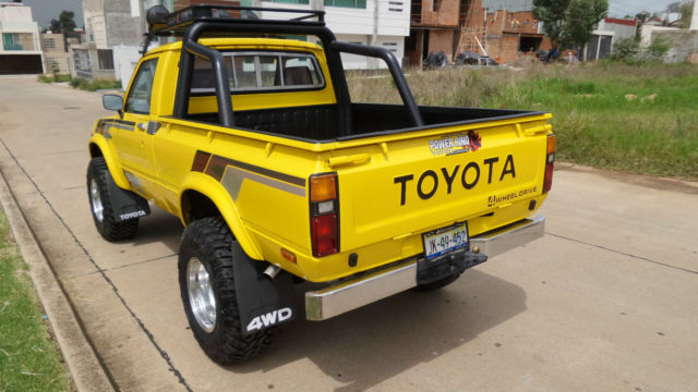 "Cars For Sale In Laredo Tx >> Toyota pickup ""Hilux"" 1979 4x4, four cylinder - Classic ..."