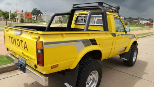"""Toyota pickup """"Hilux"""" 1979 4x4, four cylinder - Classic ..."""