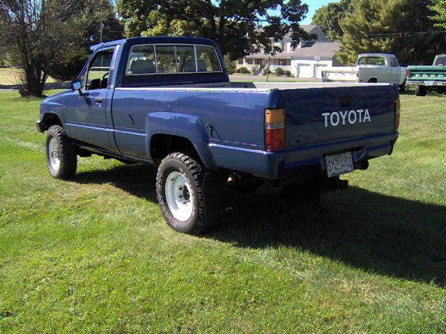 Toyota SR5 Hilux 4X4 pickup - Classic Toyota Sr5 ...