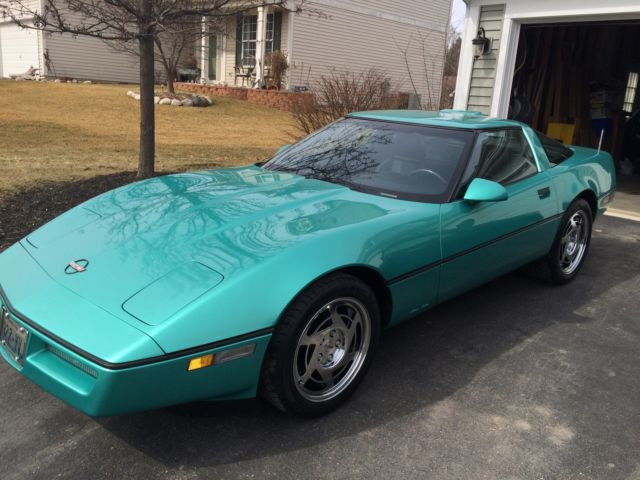 Very clean 1990 Corvette Coupe 59,000 miles Rare Turquoise
