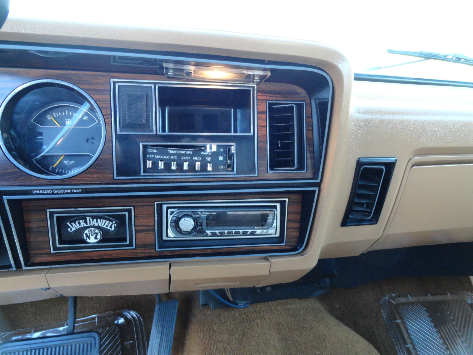 Very Nice Dodge Ramcharger Wd Clean Auto on Dodge Ram Truck Radio