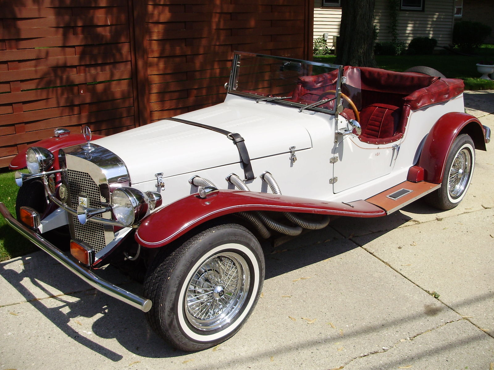 Well maintained 1929 mercedes benz convertible gazelle for Mercedes benz car care kit