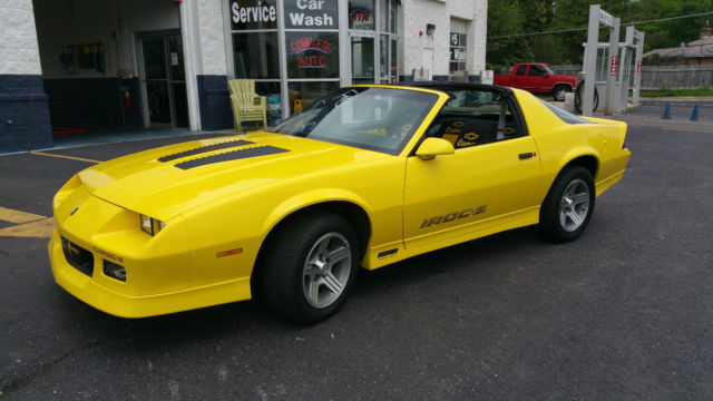 Yellow Iroc Z 5 0l Tpi With T Tops Classic Chevrolet