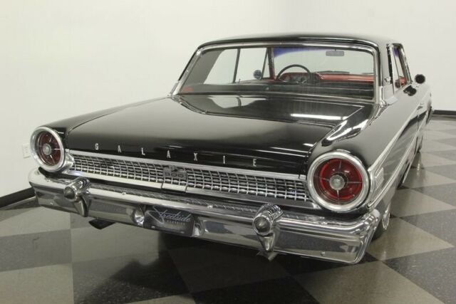 z code 390 v8 4 speed fast great colors - Classic Ford