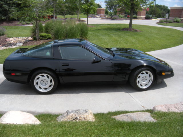 ZR-1 Corvette 1991 Black on Black - Classic Chevrolet